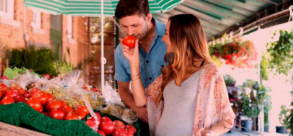 Conheça os alimentos que grávidas não devem consumir